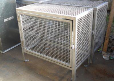 Enclosure cage