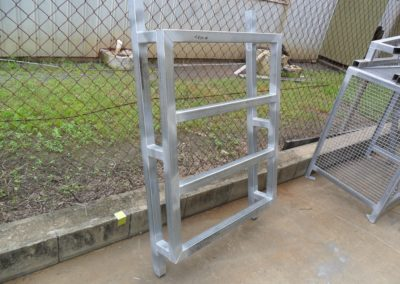 Unit roof frame stand